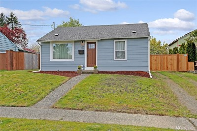 Burien Single Family Home For Sale: 233 SW 137th St