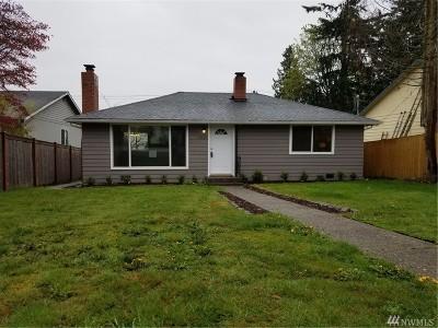Everett Single Family Home For Sale: 6027 Rockefeller Ave