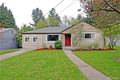 Shoreline Single Family Home For Sale: 334 NE 162nd St
