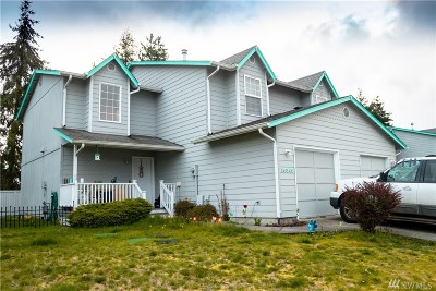 Yelm Multi Family Home Pending Inspection: 15343 Berry Valley SE