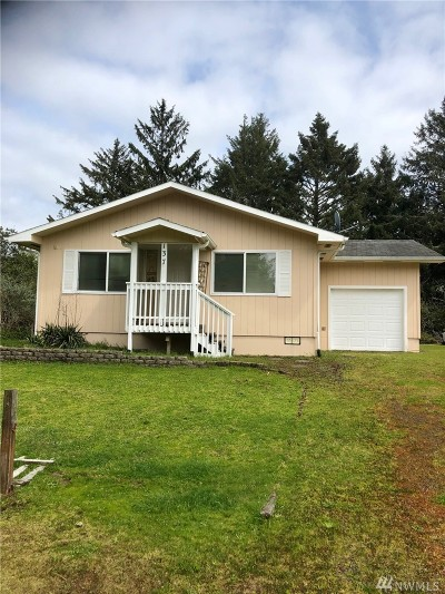 Grays Harbor County Single Family Home For Sale: 137 Spruce Lp SW
