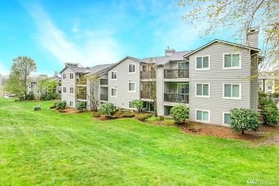 Kenmore Condo/Townhouse For Sale: 6700 182nd St #D307