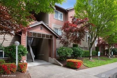 Kent Condo/Townhouse For Sale: 10825 SE 200th St #A305