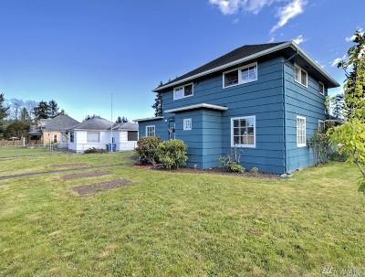 Centralia Single Family Home For Sale: 1120 W Pear St
