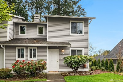 Bothell Condo/Townhouse For Sale: 1526 192nd St SE #S4