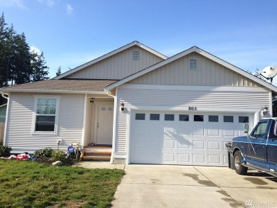 Oak Harbor Single Family Home For Sale: 805 NW Lateen