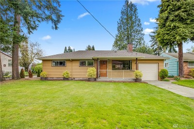 Seattle, Bellevue, Kenmore, Kirkland, Bothell Single Family Home For Sale: 1517 N 107th St
