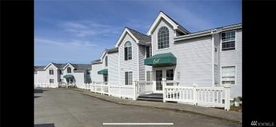 Bellevue WA Condo/Townhouse For Sale: $423,000
