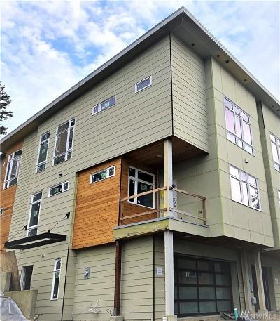 Bellevue Condo/Townhouse For Sale: 4030 129th Place SE (Unit 16)