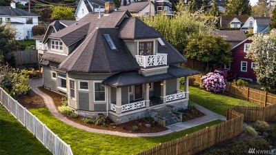 Bellingham Single Family Home For Sale: 359 S Forest St
