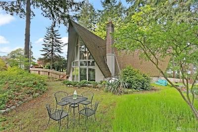 Tacoma Single Family Home For Sale: 6424 Madrona Dr NE