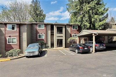 Burien Condo/Townhouse For Sale: 15711 4th Ave S #33