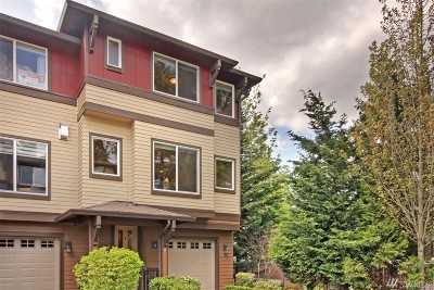 Bothell Condo/Townhouse For Sale: 2115 201st Place SE #G6