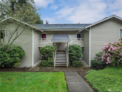Redmond Condo/Townhouse For Sale: 9009 Avondale Rd NE #M226