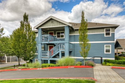 Issaquah Condo/Townhouse For Sale: 1698 25th Place NE #304