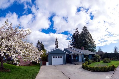 Bellingham Single Family Home For Sale: 2930 Sunset Dr