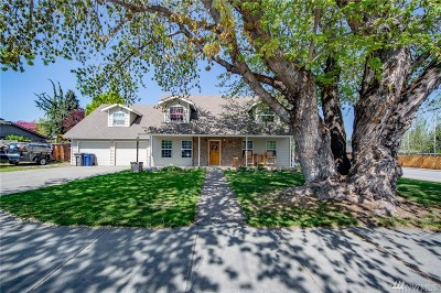Wenatchee Single Family Home For Sale: 1702 Orchard Ave