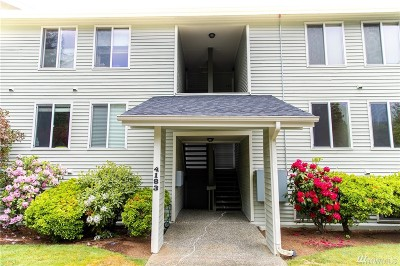 Bellevue Condo/Townhouse For Sale: 4183 W Lake Sammamish Pkwy SE #B204