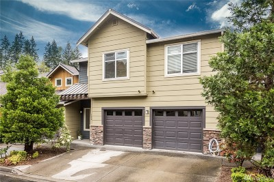 Issaquah Condo/Townhouse For Sale: 150 Cougar Ridge Rd NW #1302