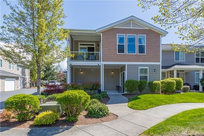 Puyallup Condo/Townhouse For Sale: 12602 172nd St E #CC203