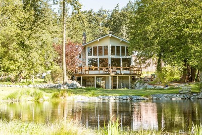 Oak Harbor Single Family Home Contingent: 1838 Hastie Lake Rd