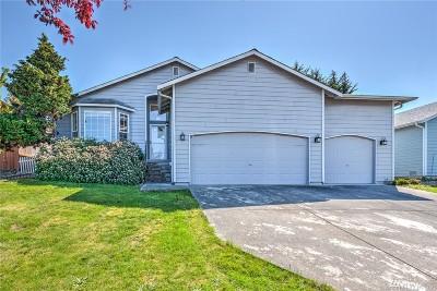 Arlington Single Family Home For Sale: 17719 Hillside Ct