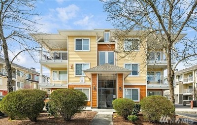 Sammamish Condo/Townhouse For Sale: 525 225th Lane NE #D203