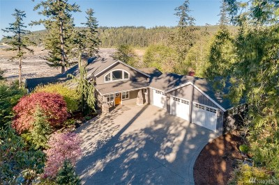 Camano Island Single Family Home For Sale: 251 Sukyma Lane