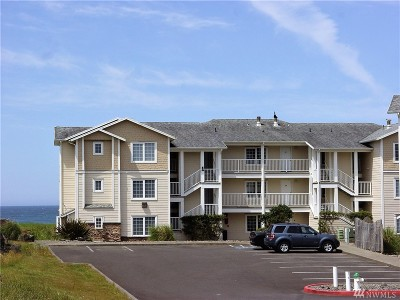 Grays Harbor County Condo/Townhouse For Sale: 1600 Ocean #132