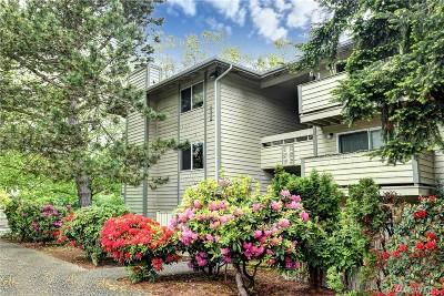 Renton Condo/Townhouse For Sale: 1150 Sunset Blvd NE #206