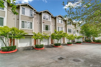 Bothell Condo/Townhouse For Sale: 11906 NE 162nd Lane #13-4