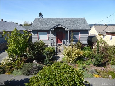 Anacortes Single Family Home For Sale: 1104 20th St