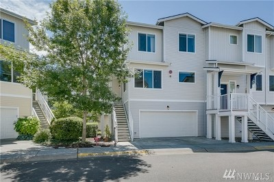 Bothell Condo/Townhouse For Sale: 14915 38th Dr SE #V1160