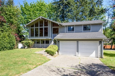 Redmond Single Family Home For Sale: 15827 NE 50th Ct
