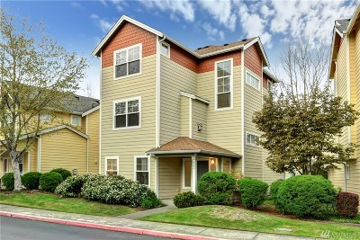 Sammamish Condo/Townhouse For Sale: 522 224th Place NE #25
