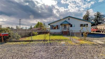 Single Family Home For Sale: 1523 Holman St