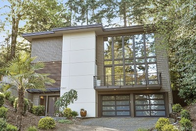 Mercer Island Single Family Home For Sale: 9337 SE 70th Place