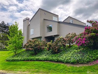 Redmond Condo/Townhouse For Sale: 7250 Old Redmond Rd #J135