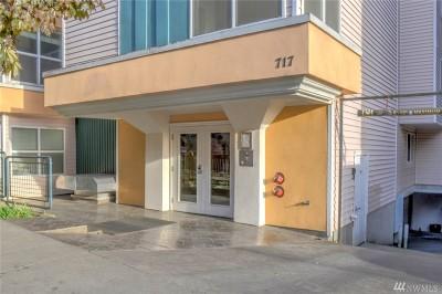 Condo/Townhouse For Sale: 717 E Denny Wy #2C