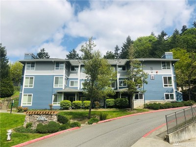 Bothell Condo/Townhouse For Sale: 12006 NE 204th Place #B404