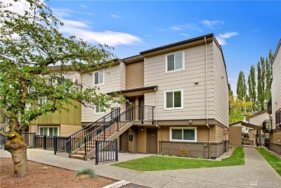 Redmond Condo/Townhouse For Sale: 15821 NE Leary Way #C221