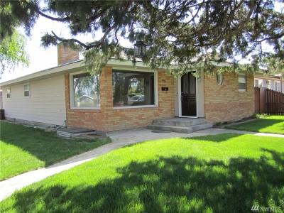 Othello Single Family Home For Sale: 956 E Larch St