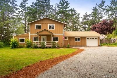 Oak Harbor Single Family Home Pending Inspection: 1151 Lisa St