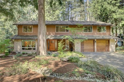 Sammamish Single Family Home For Sale: 415 218th Ave NE