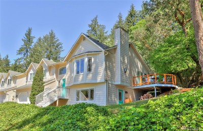 Shoreline Single Family Home For Sale: 17502 Saint Luke Place N