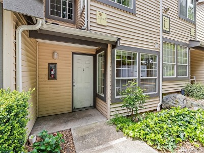 King County Condo/Townhouse For Sale: 26327 116th Ave SE #E102