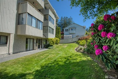 Lynnwood Condo/Townhouse For Sale: 18620 52nd Ave W #138
