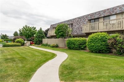 Wenatchee Condo/Townhouse Contingent: 1535 Castlerock Ave #44