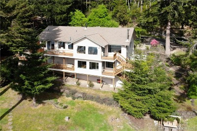 Shelton Single Family Home For Sale: 100 E Cape Horn Dr