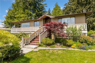 Poulsbo Single Family Home For Sale: 1002 NE Holm Ct